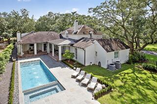 Swimming Pool Maintenance in Baton Rouge: 4 Tips for Spring