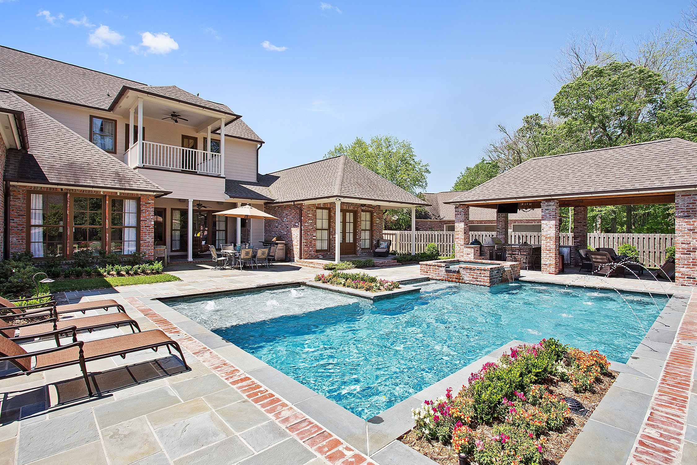 Baton rouge residential and commercial pools lucas for Custom home designs baton rouge