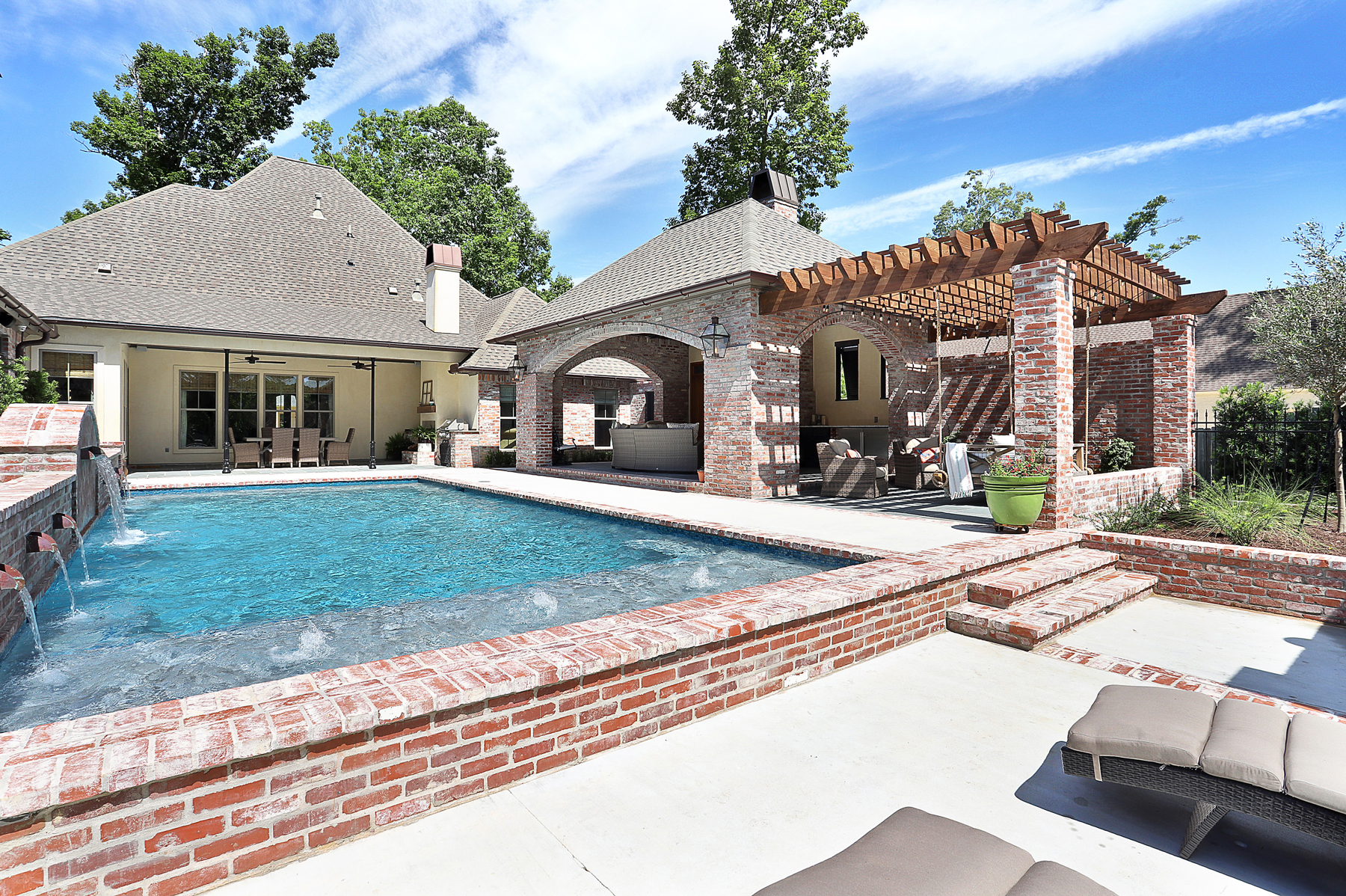 Pool Builder in Central Baton Rouge
