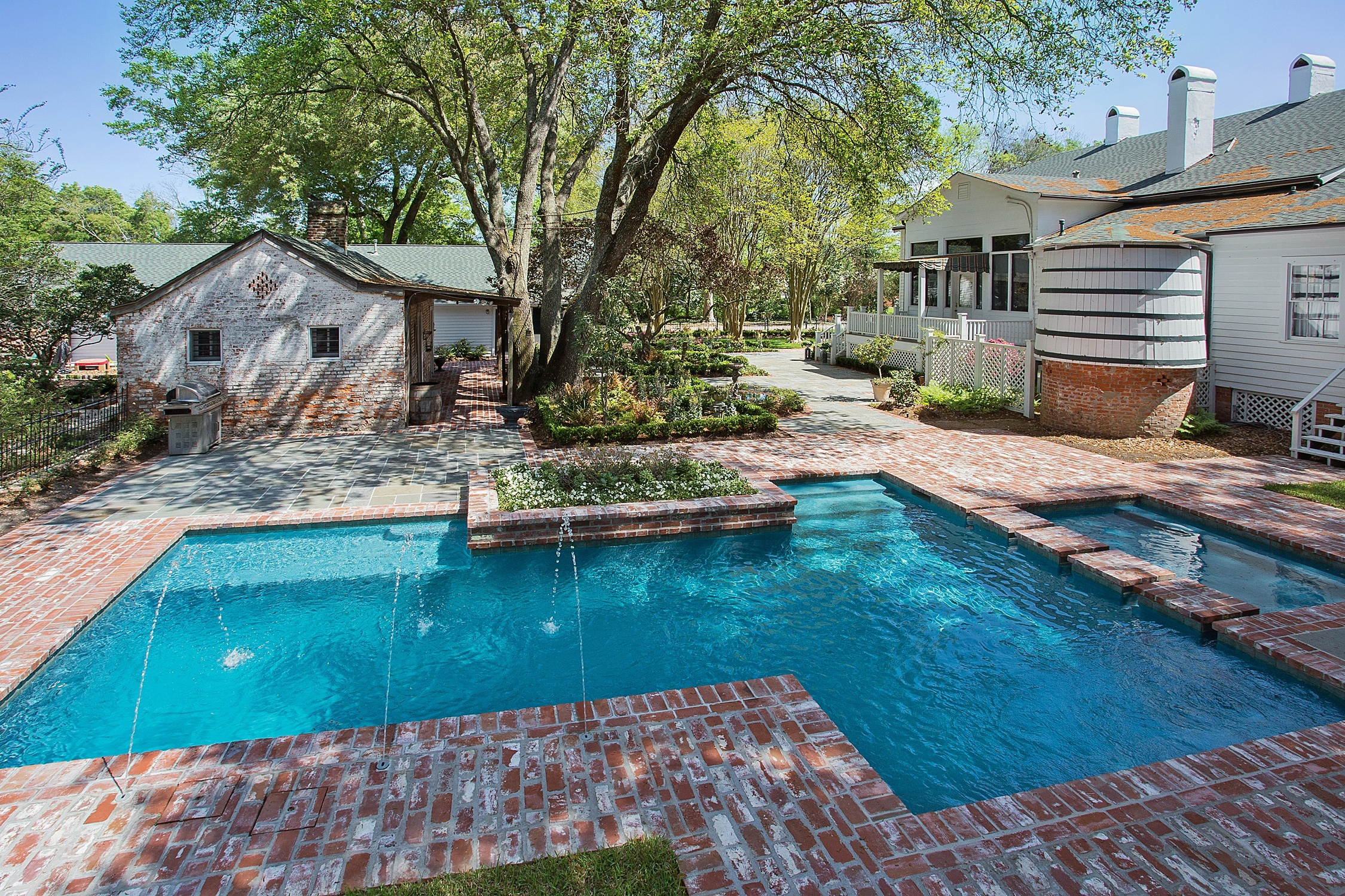 5 custom design options for your baton rouge pool for Pool design options