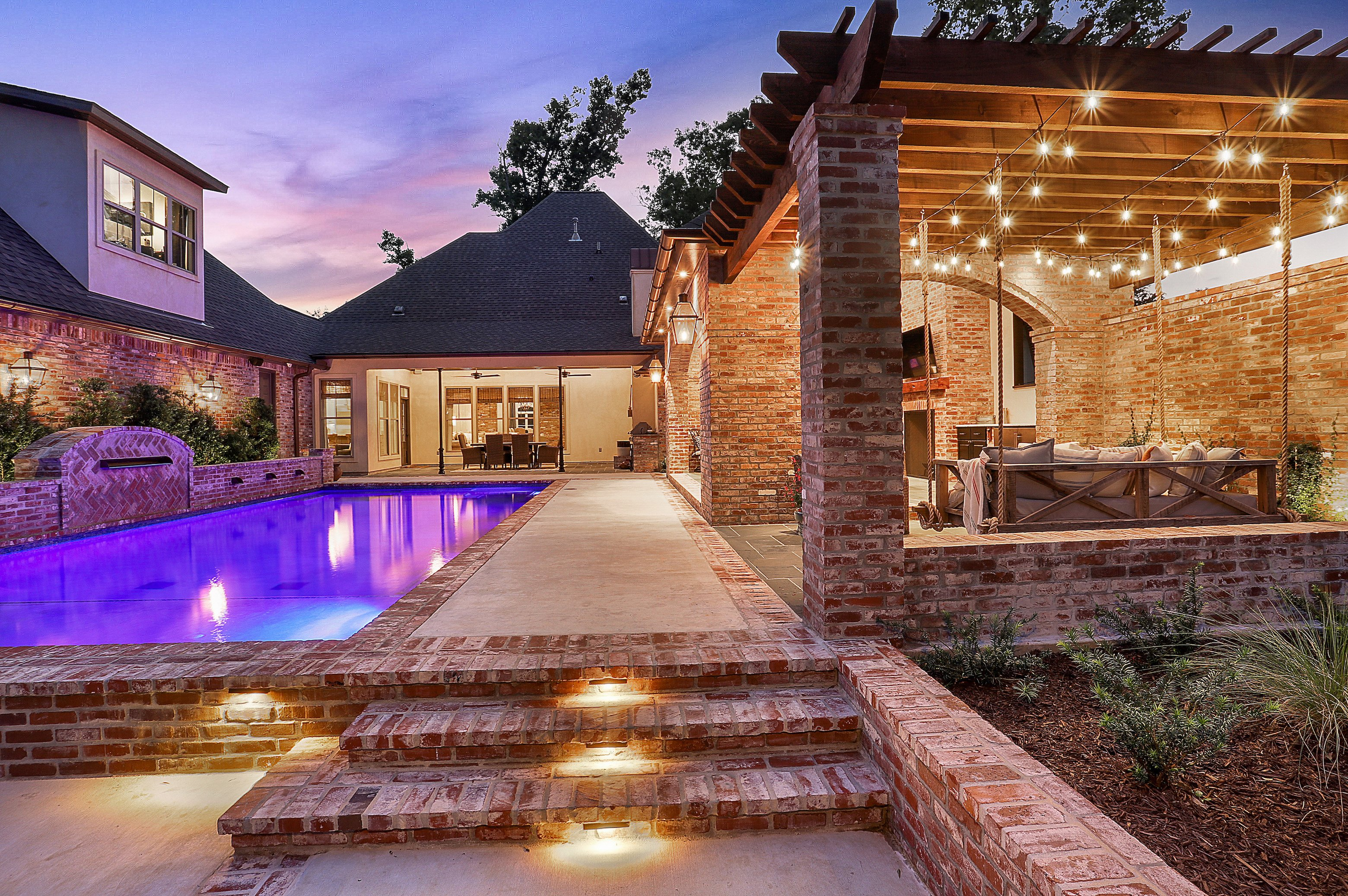 Small swimming pools baton rouge new trends in pool design for Pool design trends